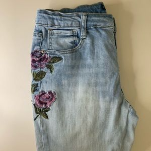 🦋BRAND NEW Girls floral patterned jeans